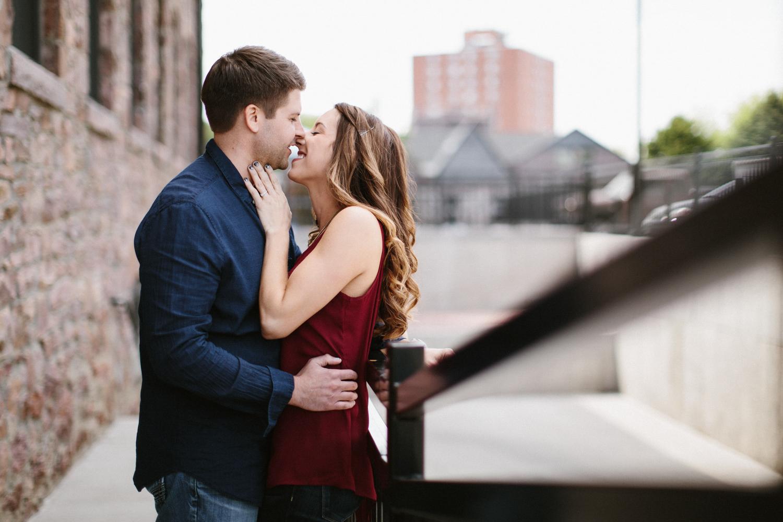 Des_Moines_Sioux_Falls_Wedding_Photographer_Renae&Adam14.jpg