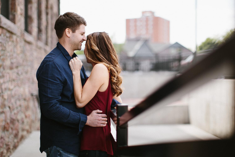 Des_Moines_Sioux_Falls_Wedding_Photographer_Renae&Adam16.jpg