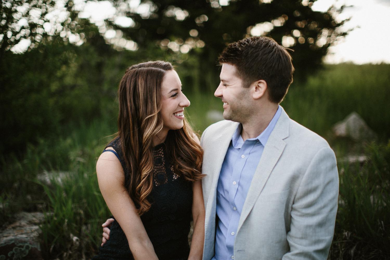 Des_Moines_Sioux_Falls_Wedding_Photographer_Renae&Adam27.jpg