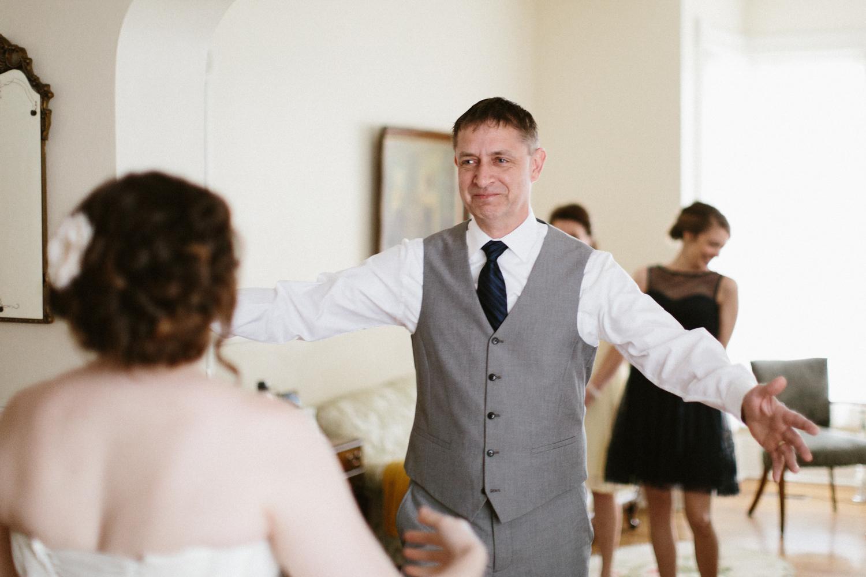 DesMoines_Wedding_Photographer_Spencer&Amanda_013.jpg