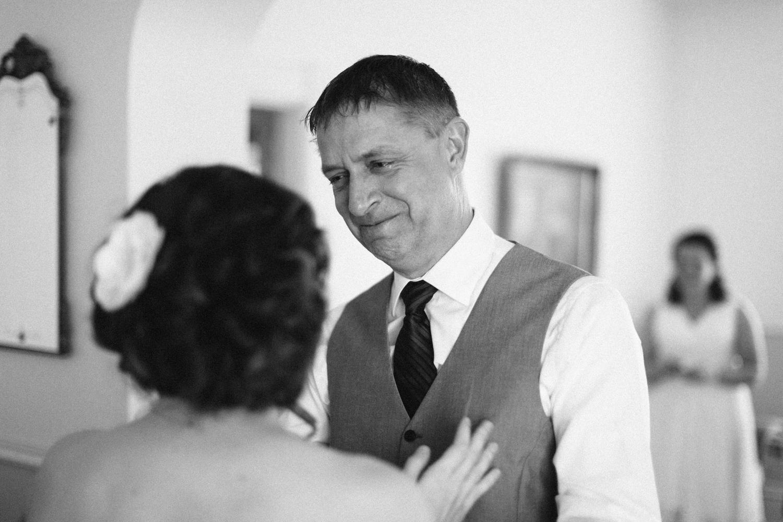 DesMoines_Wedding_Photographer_Spencer&Amanda_014.jpg