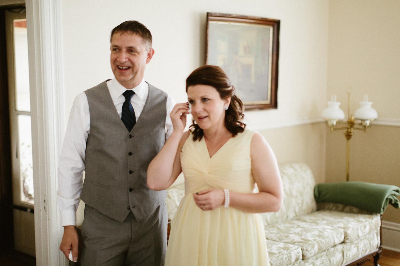 DesMoines_Wedding_Photographer_Spencer&Amanda_016.jpg