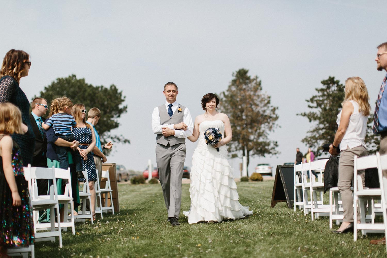 DesMoines_Wedding_Photographer_Spencer&Amanda_064.jpg