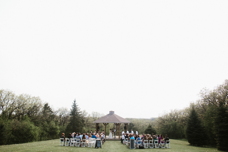 DesMoines_Wedding_Photographer_Spencer&Amanda_069.jpg