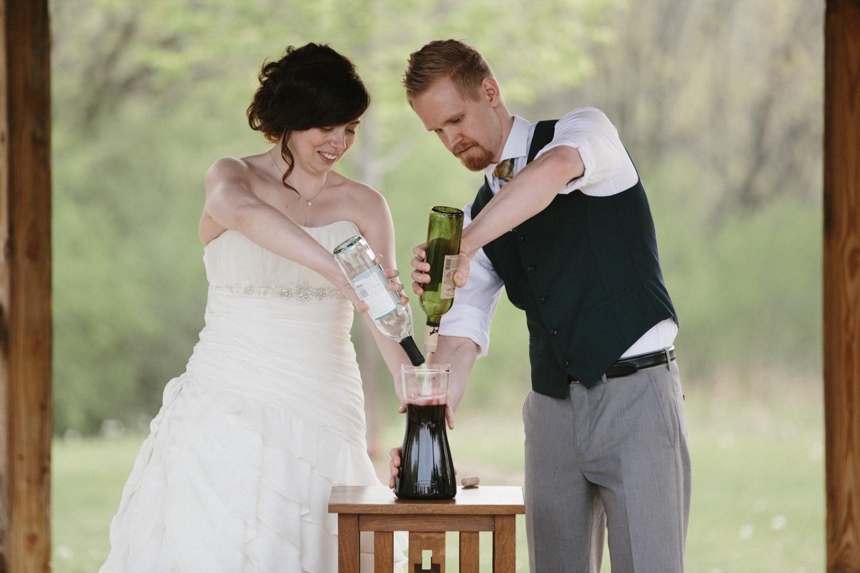 DesMoines_Wedding_Photographer_Spencer&Amanda_072.jpg