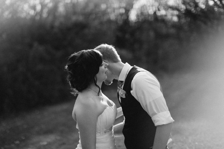 DesMoines_Wedding_Photographer_Spencer&Amanda_103.jpg
