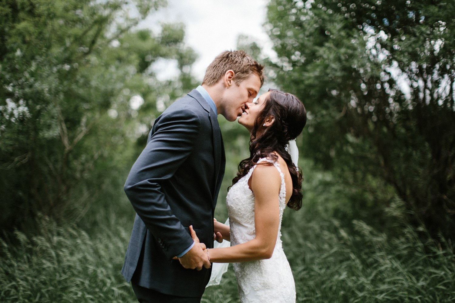 Outdoor_Wedding_SiouxFalls_MaryJoWegnerArboretum_Photographer_Calli&Jon_047.jpg
