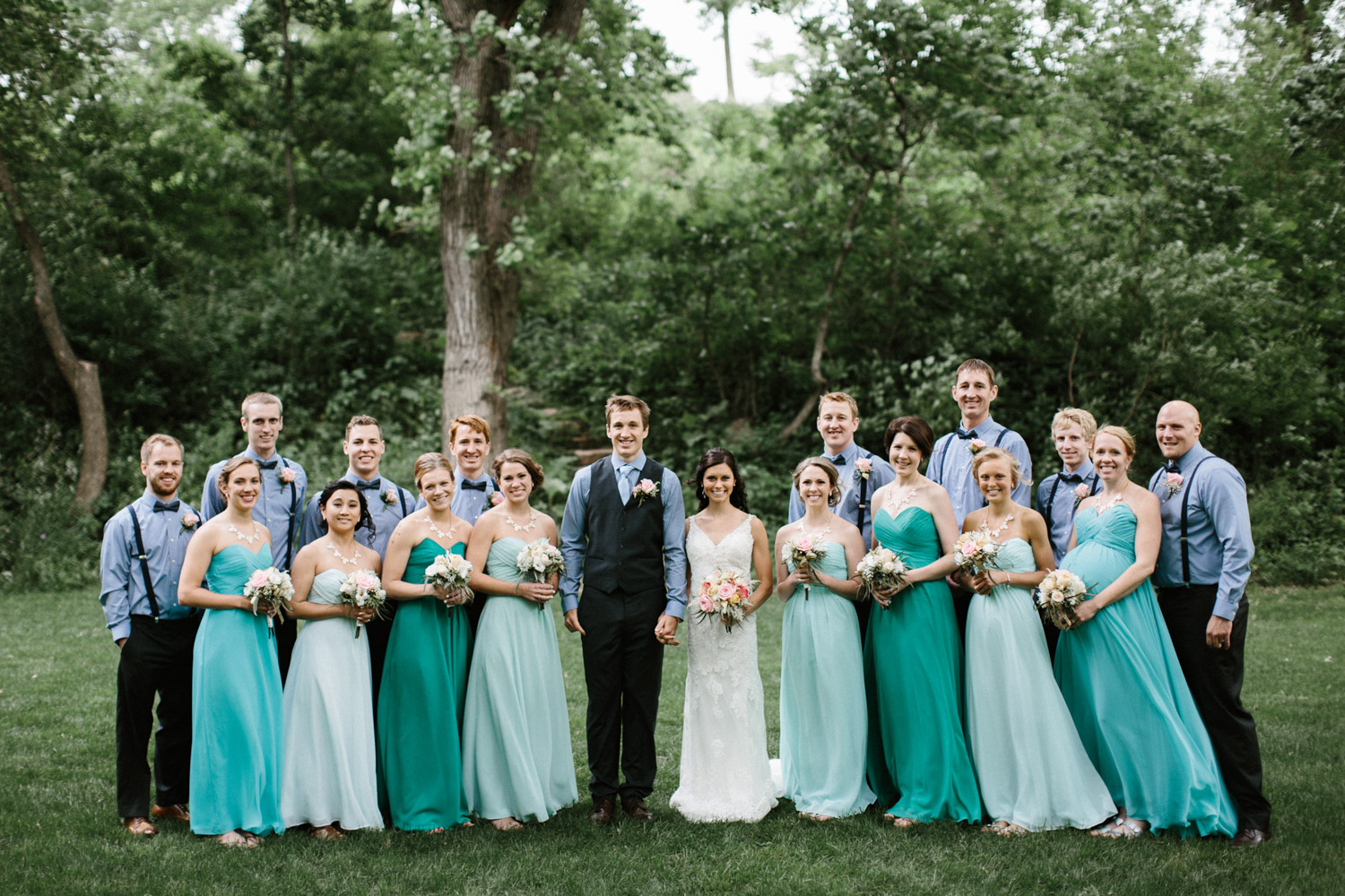 Outdoor_Wedding_SiouxFalls_MaryJoWegnerArboretum_Photographer_Calli&Jon_056.jpg