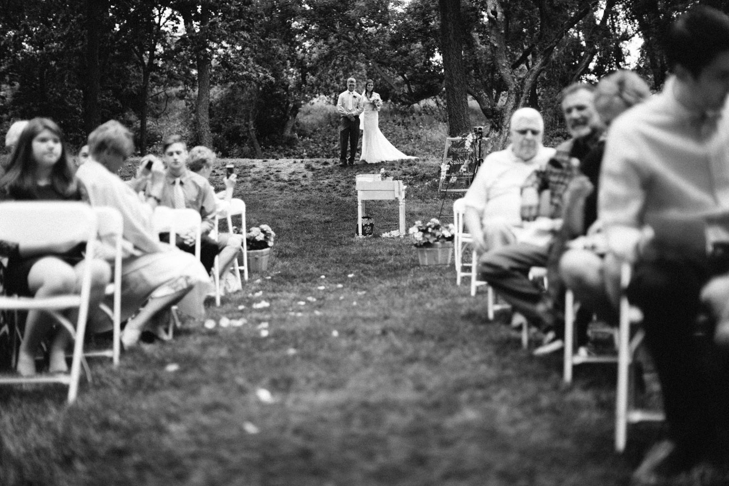 Outdoor_Wedding_SiouxFalls_MaryJoWegnerArboretum_Photographer_Calli&Jon_076.jpg