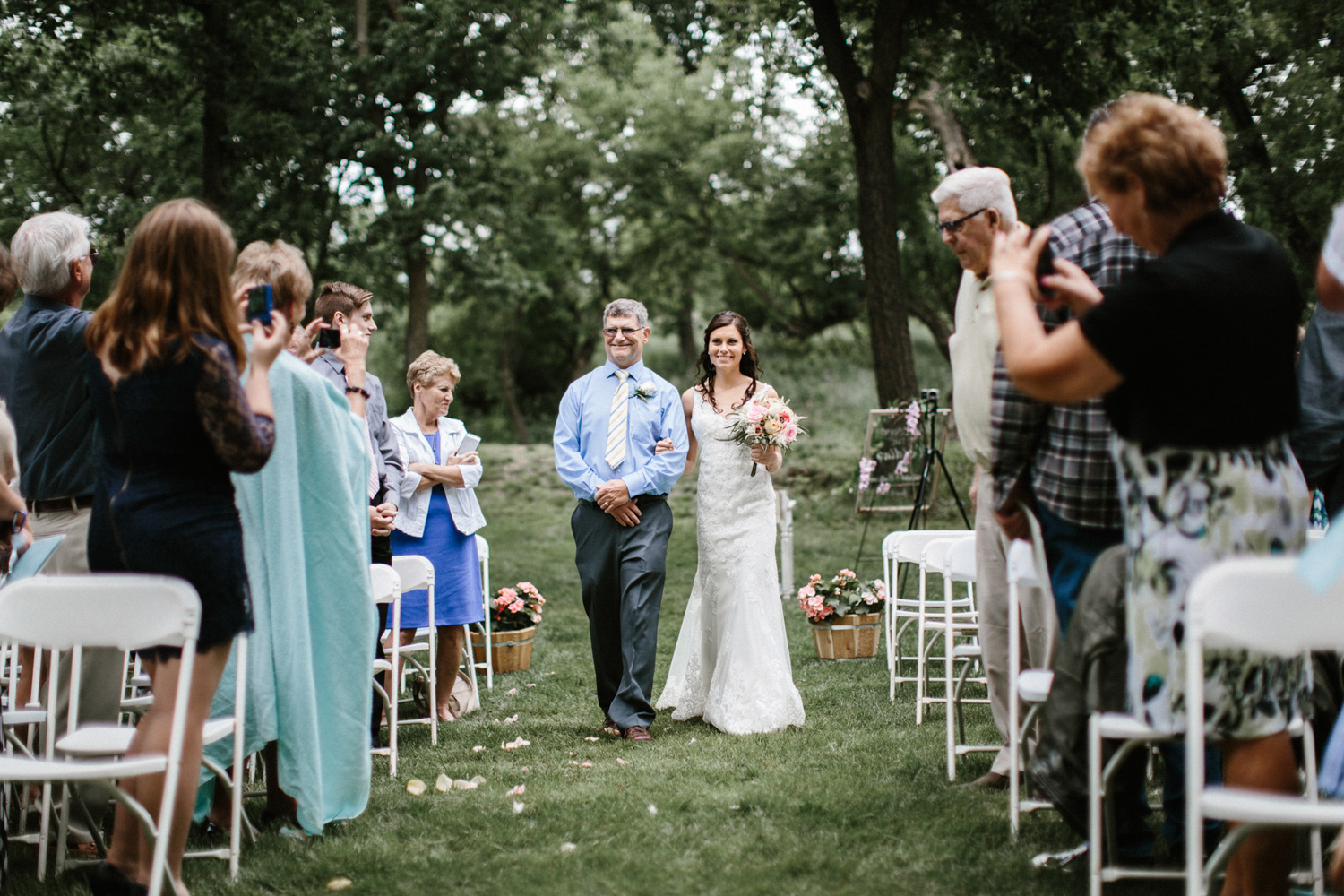 Outdoor_Wedding_SiouxFalls_MaryJoWegnerArboretum_Photographer_Calli&Jon_077.jpg