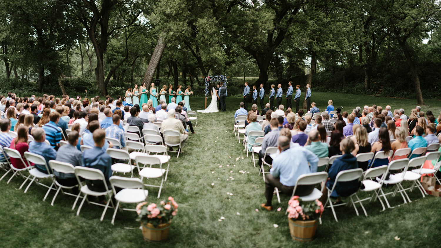 Outdoor_Wedding_SiouxFalls_MaryJoWegnerArboretum_Photographer_Calli&Jon_084.jpg