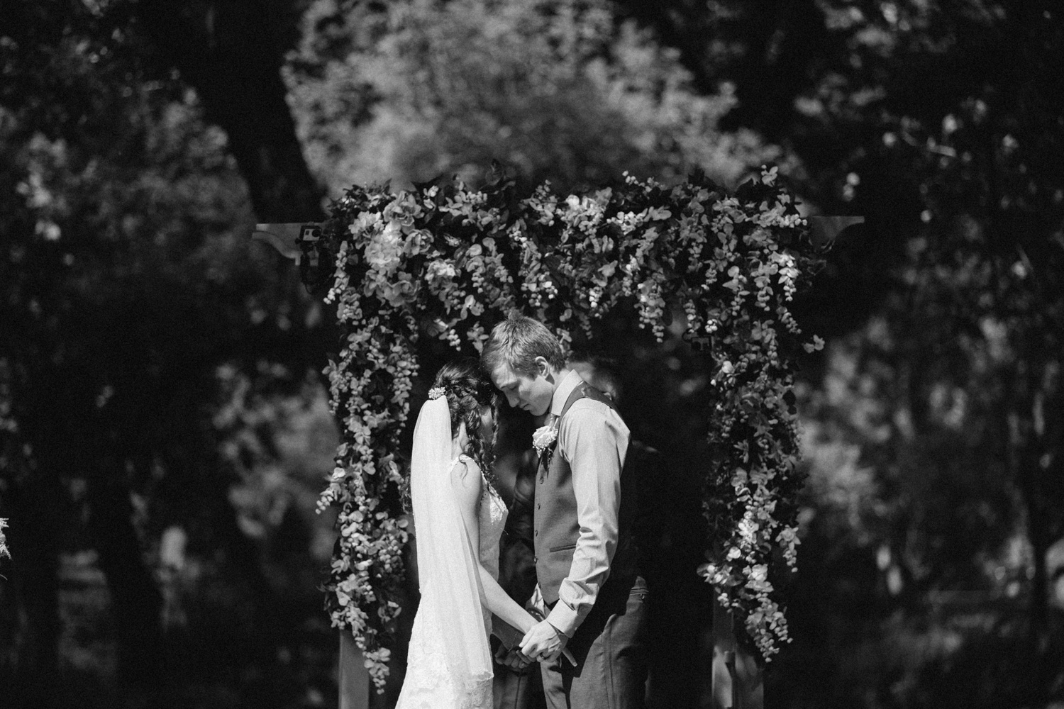 Outdoor_Wedding_SiouxFalls_MaryJoWegnerArboretum_Photographer_Calli&Jon_088.jpg