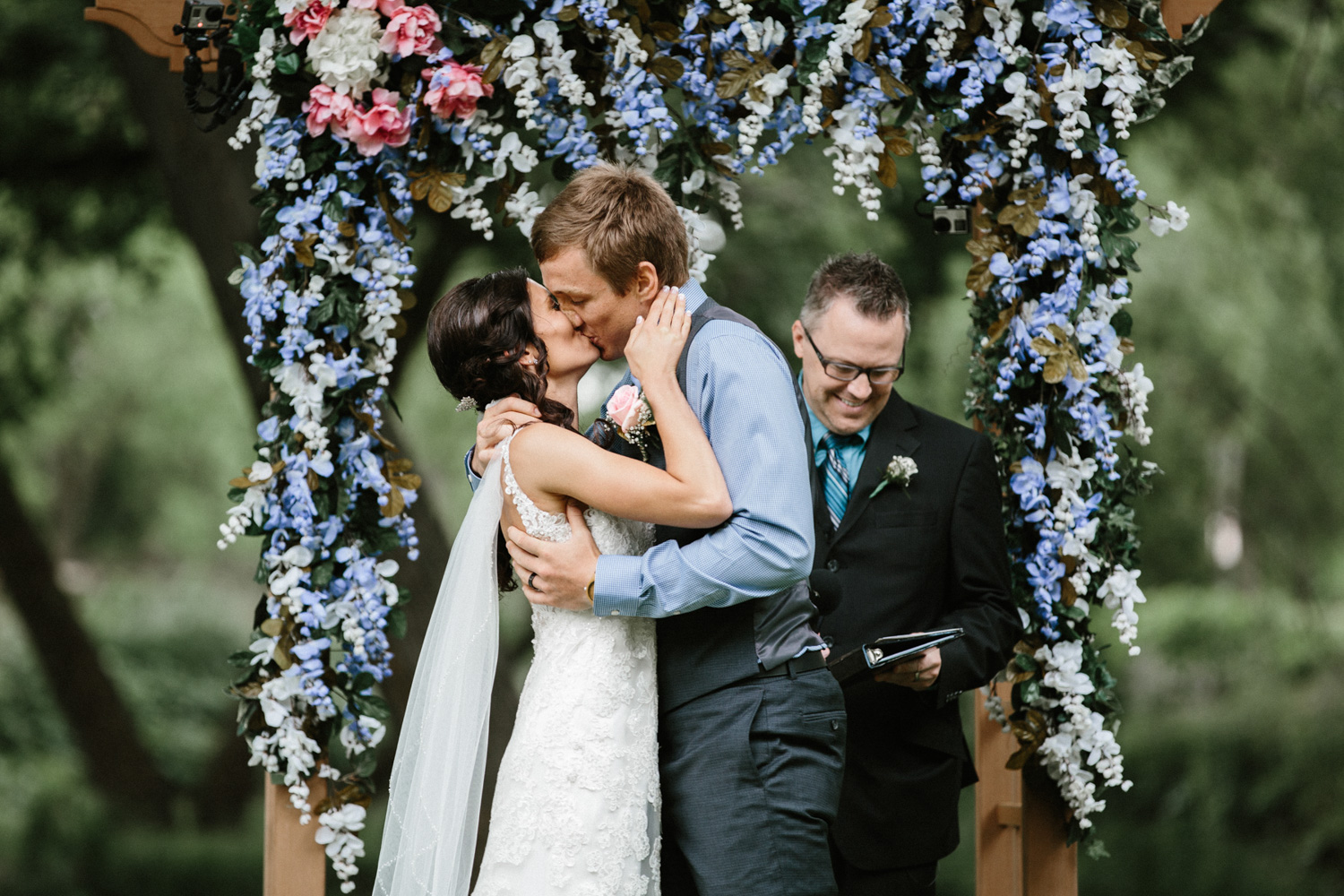 Outdoor_Wedding_SiouxFalls_MaryJoWegnerArboretum_Photographer_Calli&Jon_090.jpg