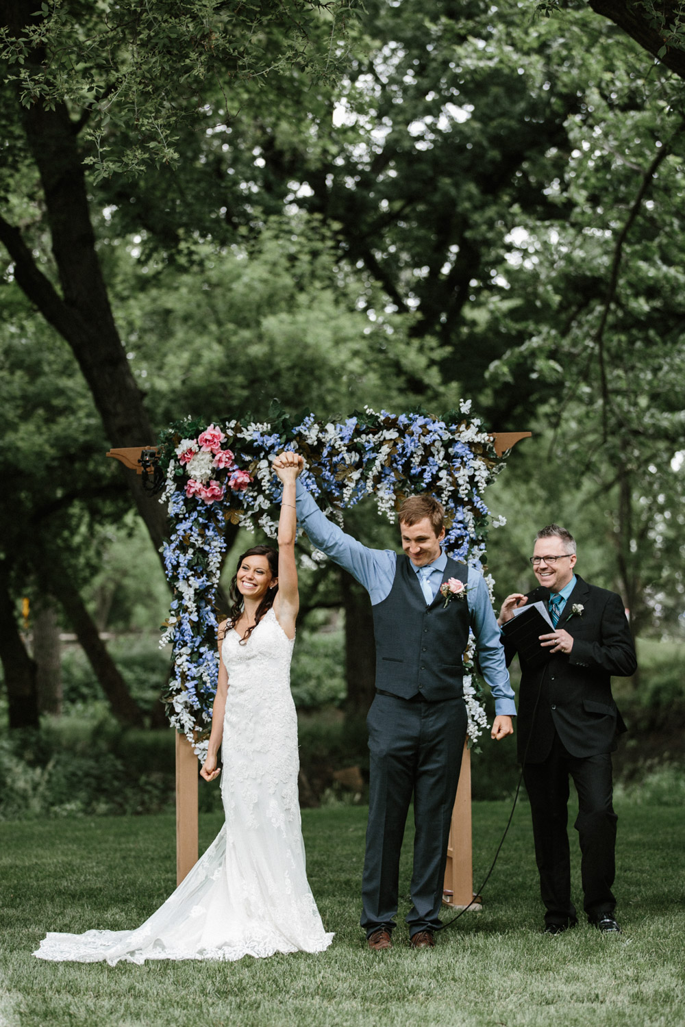 Outdoor_Wedding_SiouxFalls_MaryJoWegnerArboretum_Photographer_Calli&Jon_091.jpg
