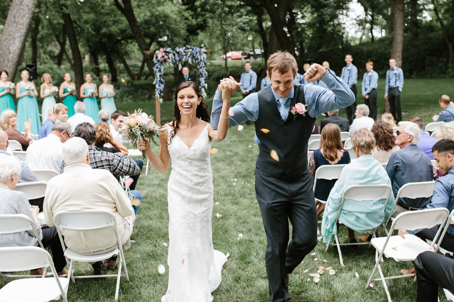 Outdoor_Wedding_SiouxFalls_MaryJoWegnerArboretum_Photographer_Calli&Jon_092.jpg