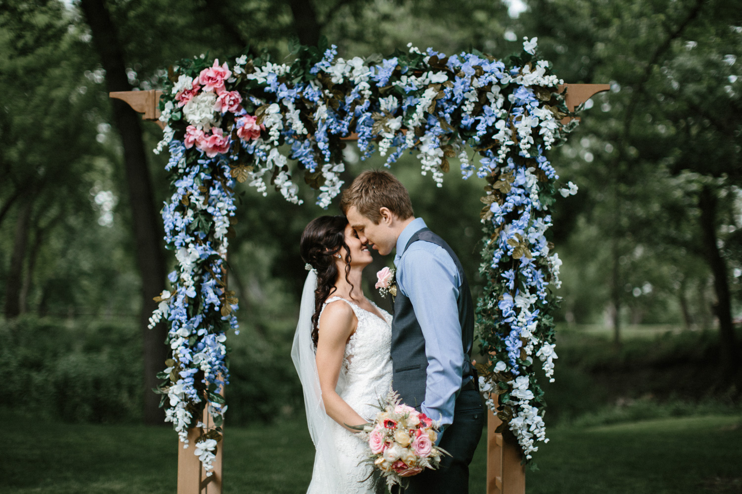 Outdoor_Wedding_SiouxFalls_MaryJoWegnerArboretum_Photographer_Calli&Jon_103.jpg