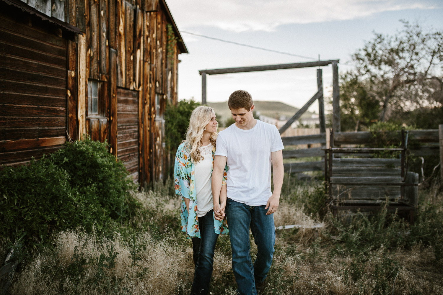 SiouxFalls_BlackHills_Adventure_Engagement_Wedding_Photographer_23.jpg
