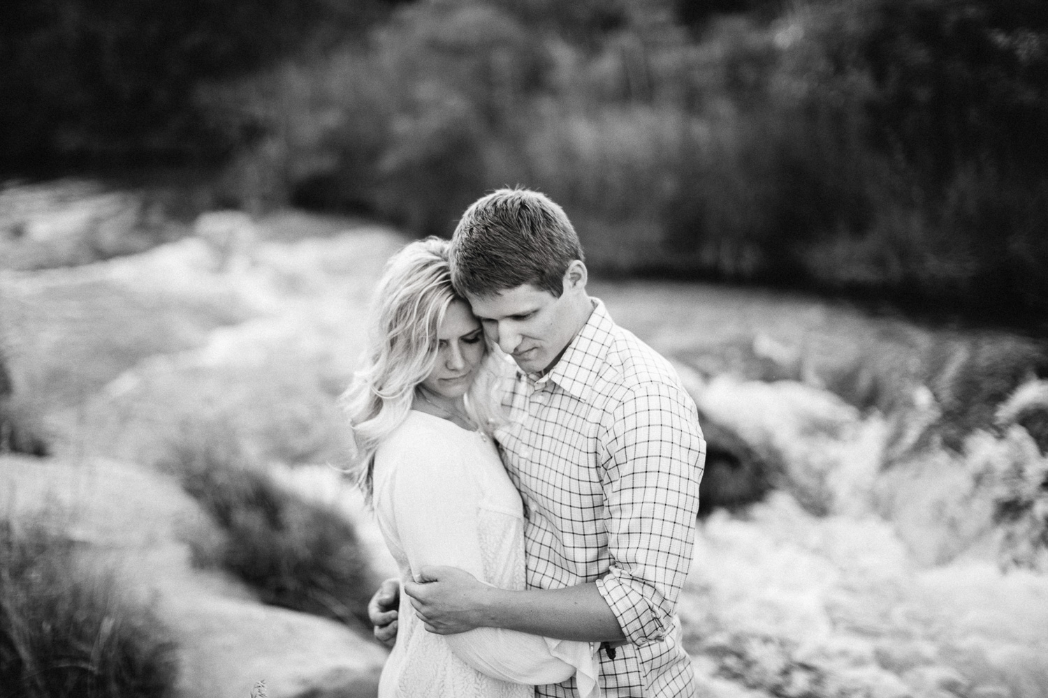SiouxFalls_BlackHills_Adventure_Engagement_Wedding_Photographer_30.jpg
