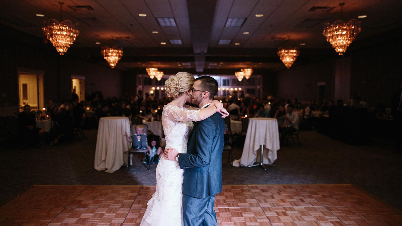 Jenna&Austin_SiouxFalls_Wedding_Photography_38.jpg