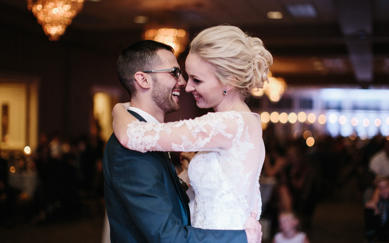Jenna&Austin_SiouxFalls_Wedding_Photography_39.jpg
