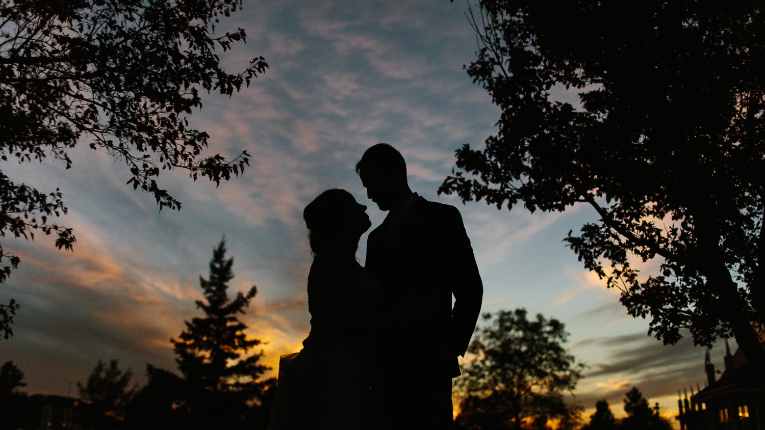 SiouxFalls_Fall_Wedding_Photographer_Oct_27.jpg