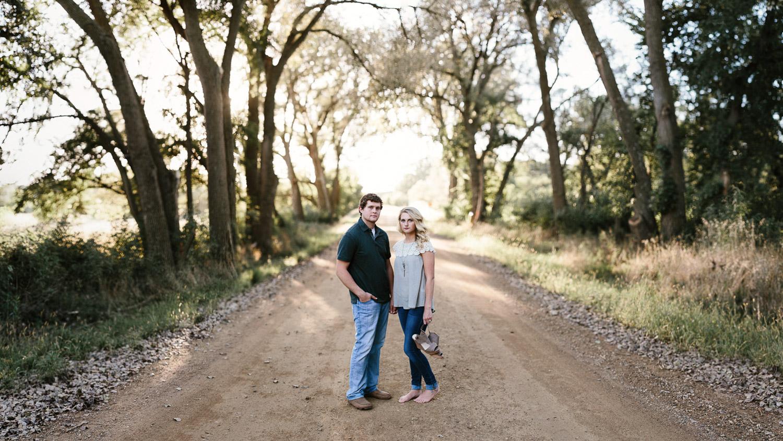 Maddie&Blake_SiouxFalls_Engagement_Wedding_Photographer_09.jpg