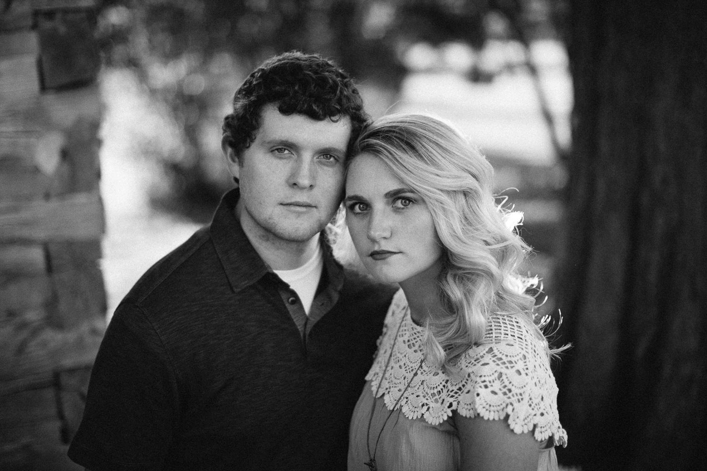 Maddie&Blake_SiouxFalls_Engagement_Wedding_Photographer_13.jpg