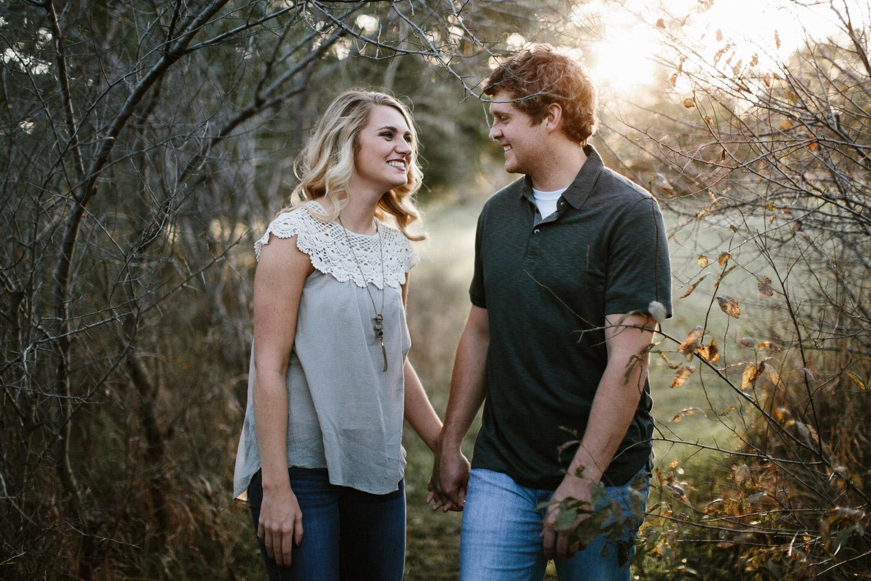 Maddie&Blake_SiouxFalls_Engagement_Wedding_Photographer_16.jpg