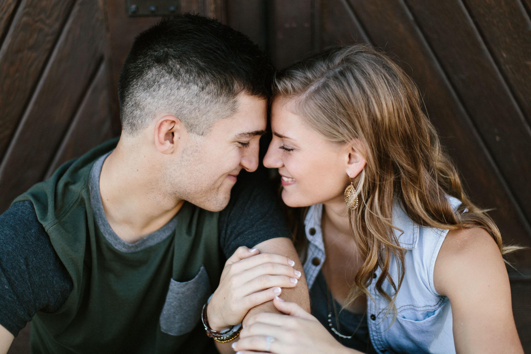 Romantic_Timeless_Downtown_SiouxFalls_Engagement_Wedding_Photographer_20.jpg