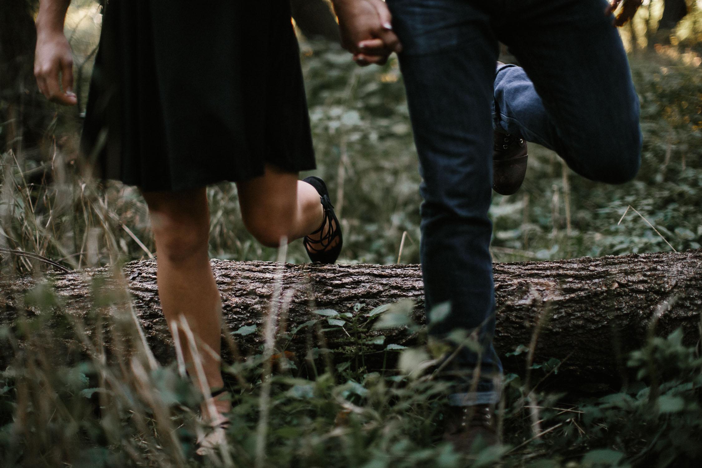 Romantic_Timeless_Downtown_SiouxFalls_Engagement_Wedding_Photographer_35.jpg