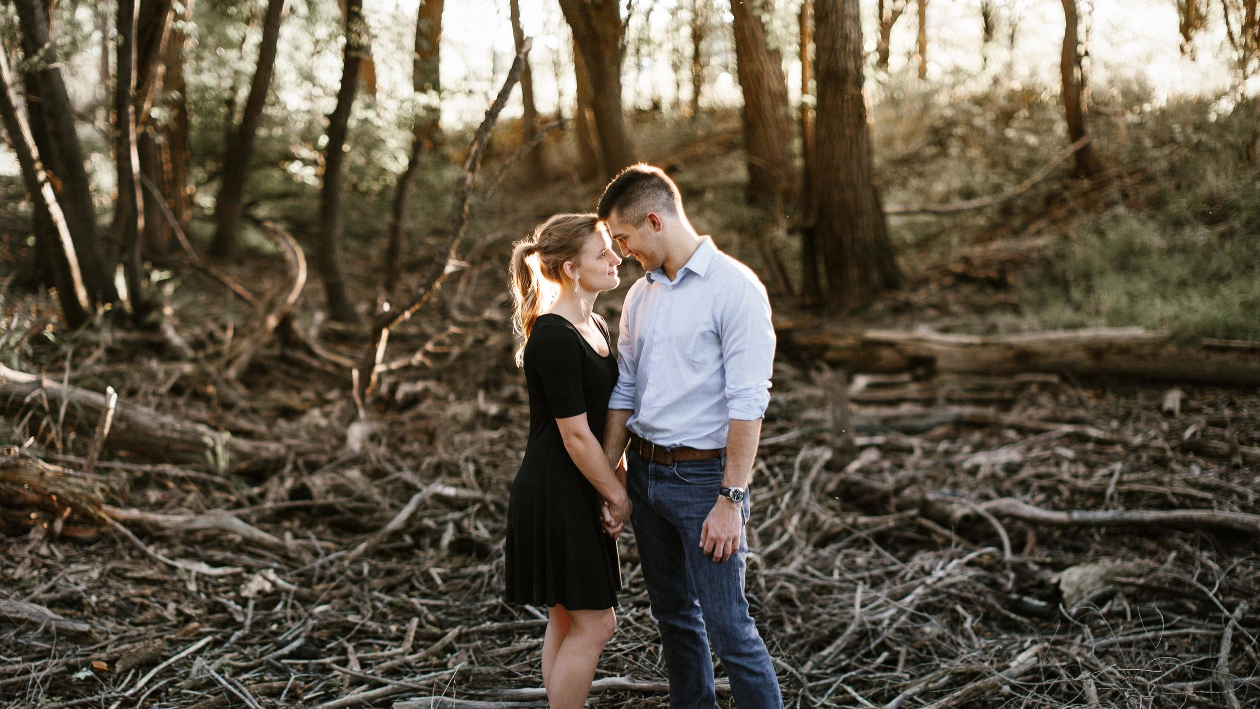 Romantic_Timeless_Downtown_SiouxFalls_Engagement_Wedding_Photographer_46.jpg