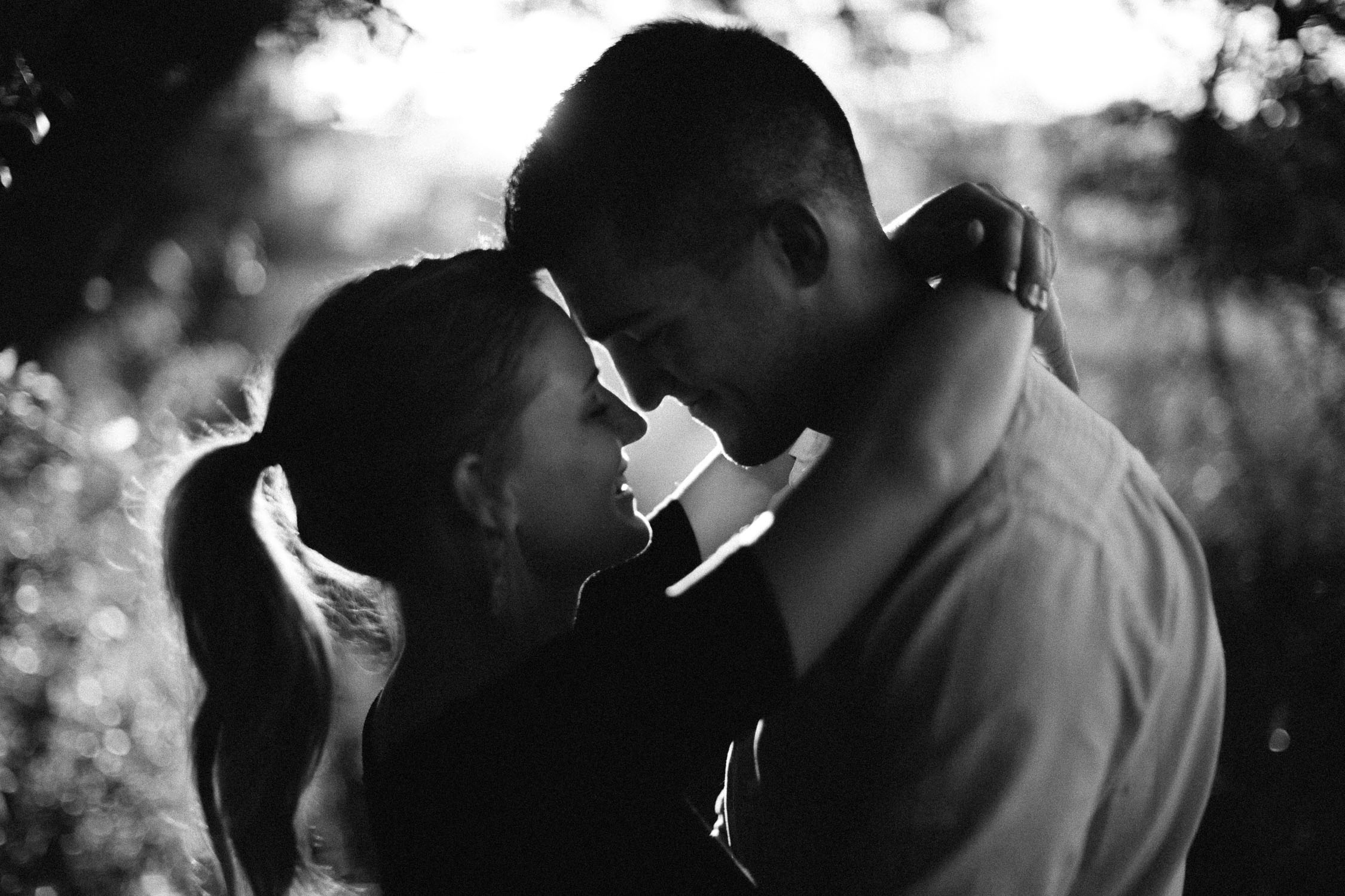 Romantic_Timeless_Downtown_SiouxFalls_Engagement_Wedding_Photographer_52.jpg
