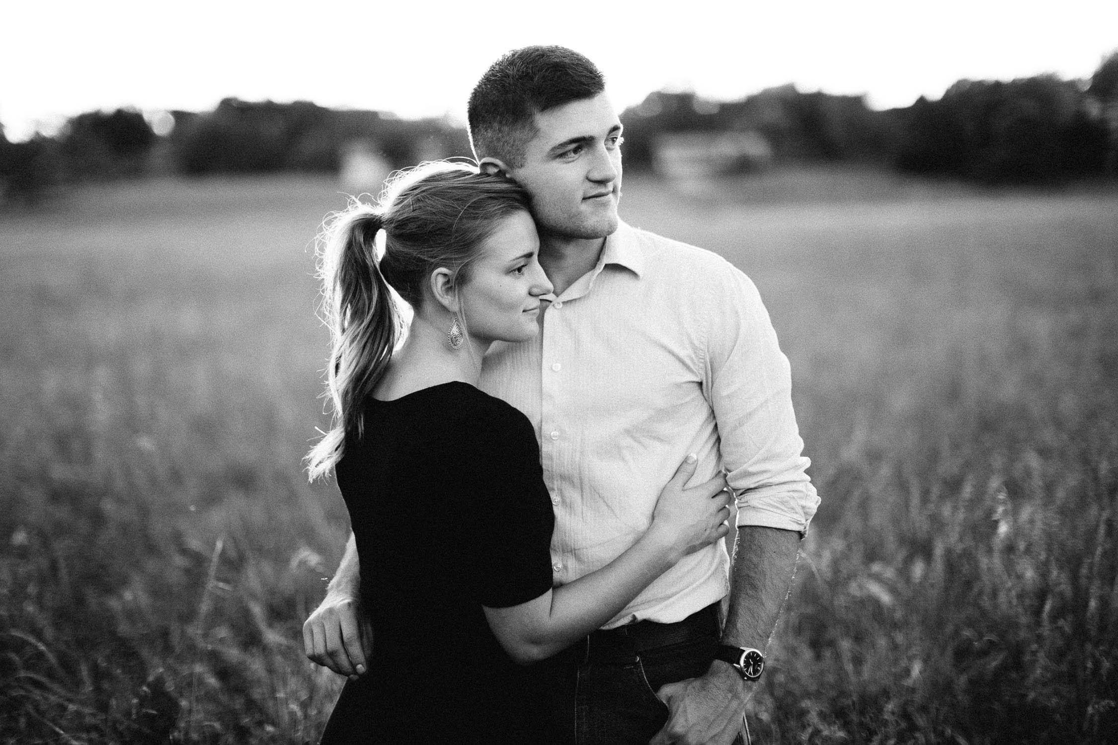 Romantic_Timeless_Downtown_SiouxFalls_Engagement_Wedding_Photographer_60.jpg
