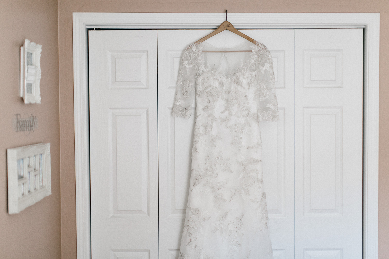 Jenna&Austin_SiouxFalls_Wedding_Photographer_010.jpg