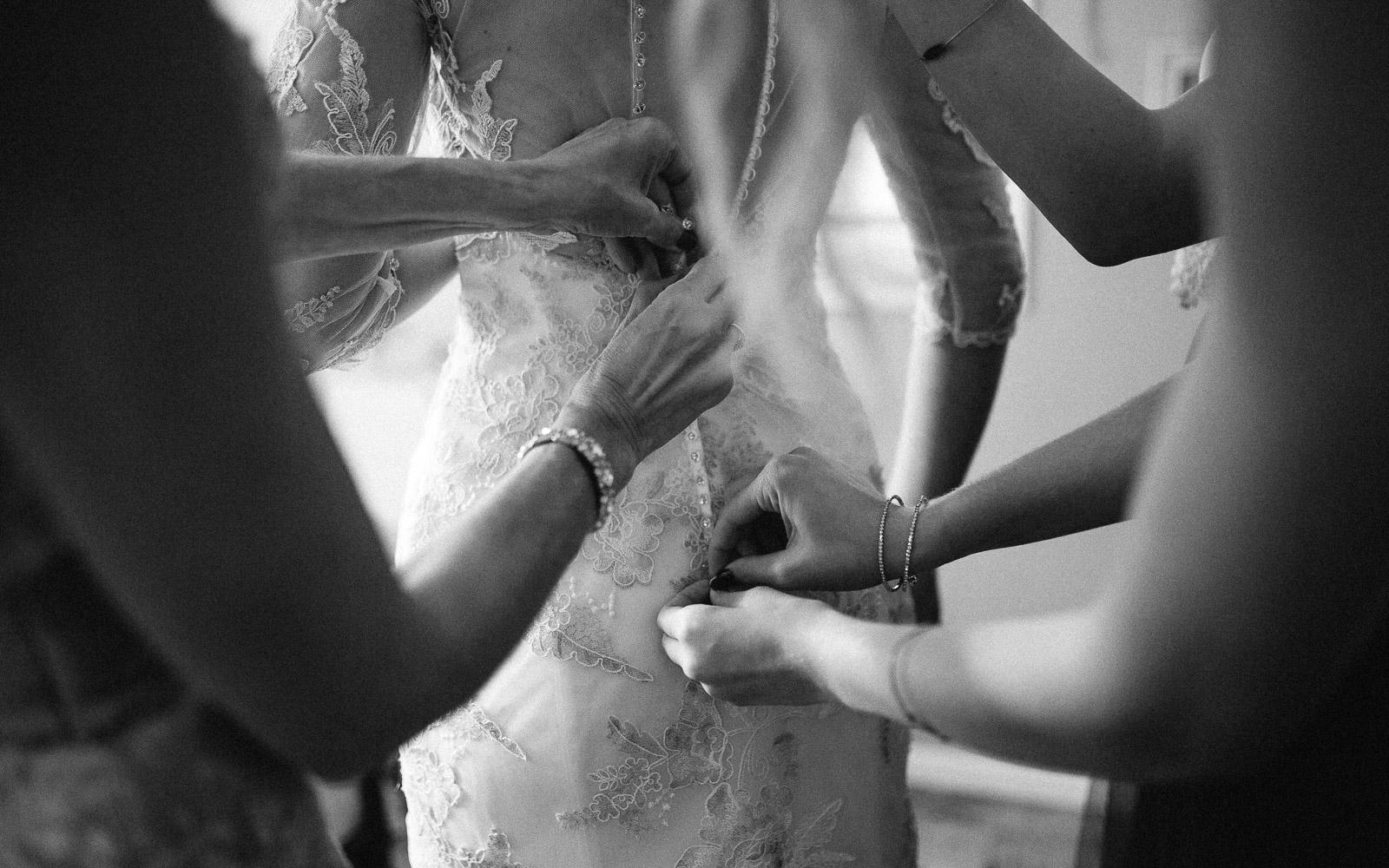 Jenna&Austin_SiouxFalls_Wedding_Photographer_019.jpg