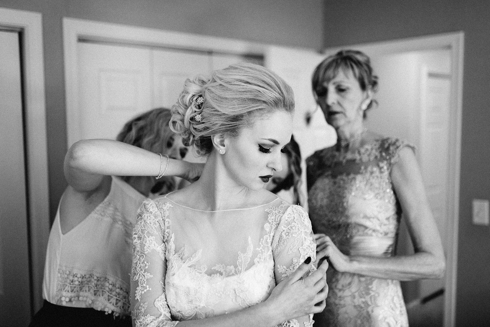 Jenna&Austin_SiouxFalls_Wedding_Photographer_022.jpg