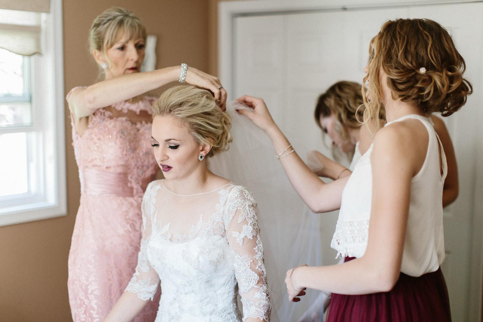 Jenna&Austin_SiouxFalls_Wedding_Photographer_025.jpg