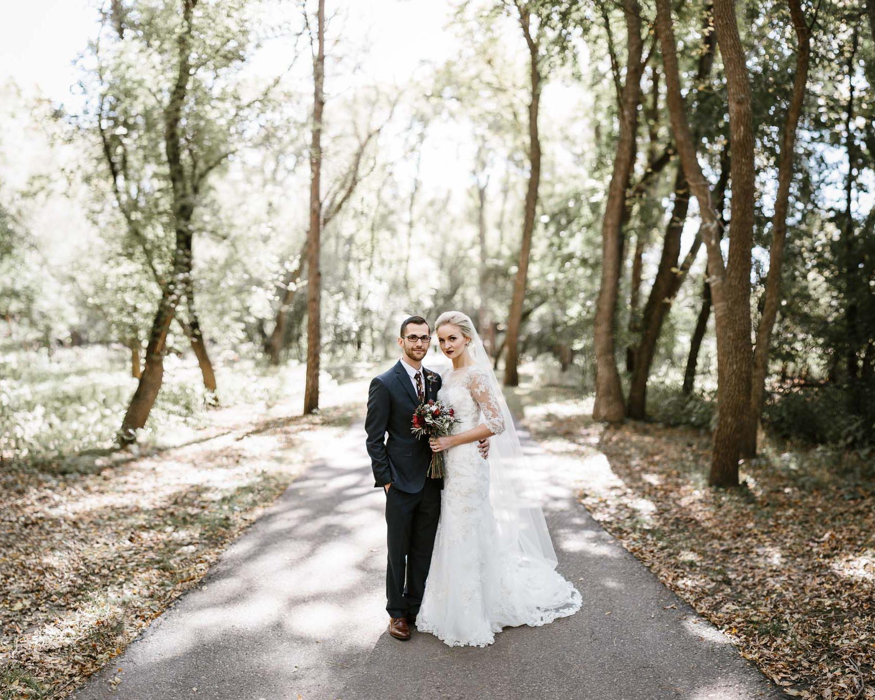 Jenna&Austin_SiouxFalls_Wedding_Photographer_049.jpg