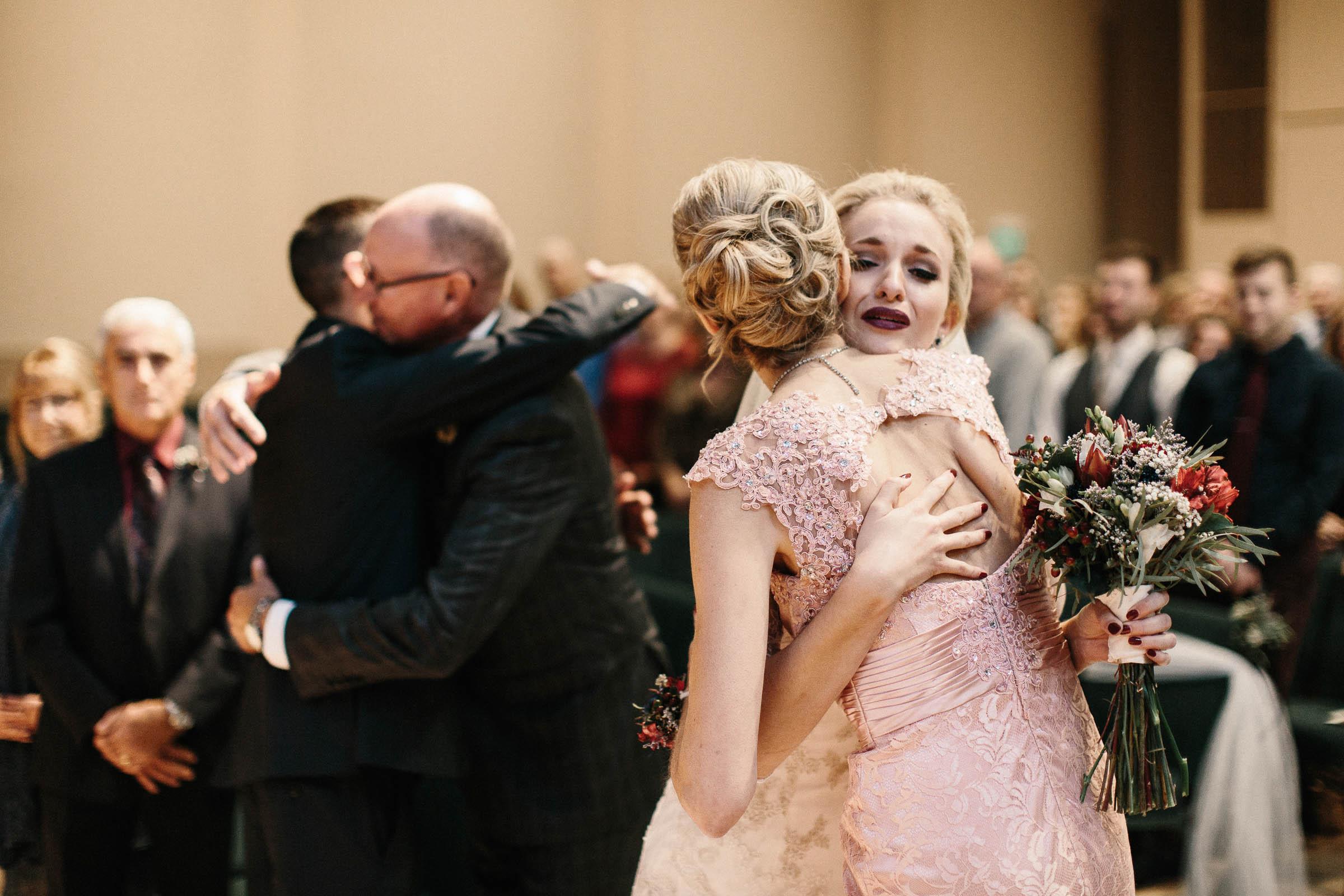 Jenna&Austin_SiouxFalls_Wedding_Photographer_073.jpg