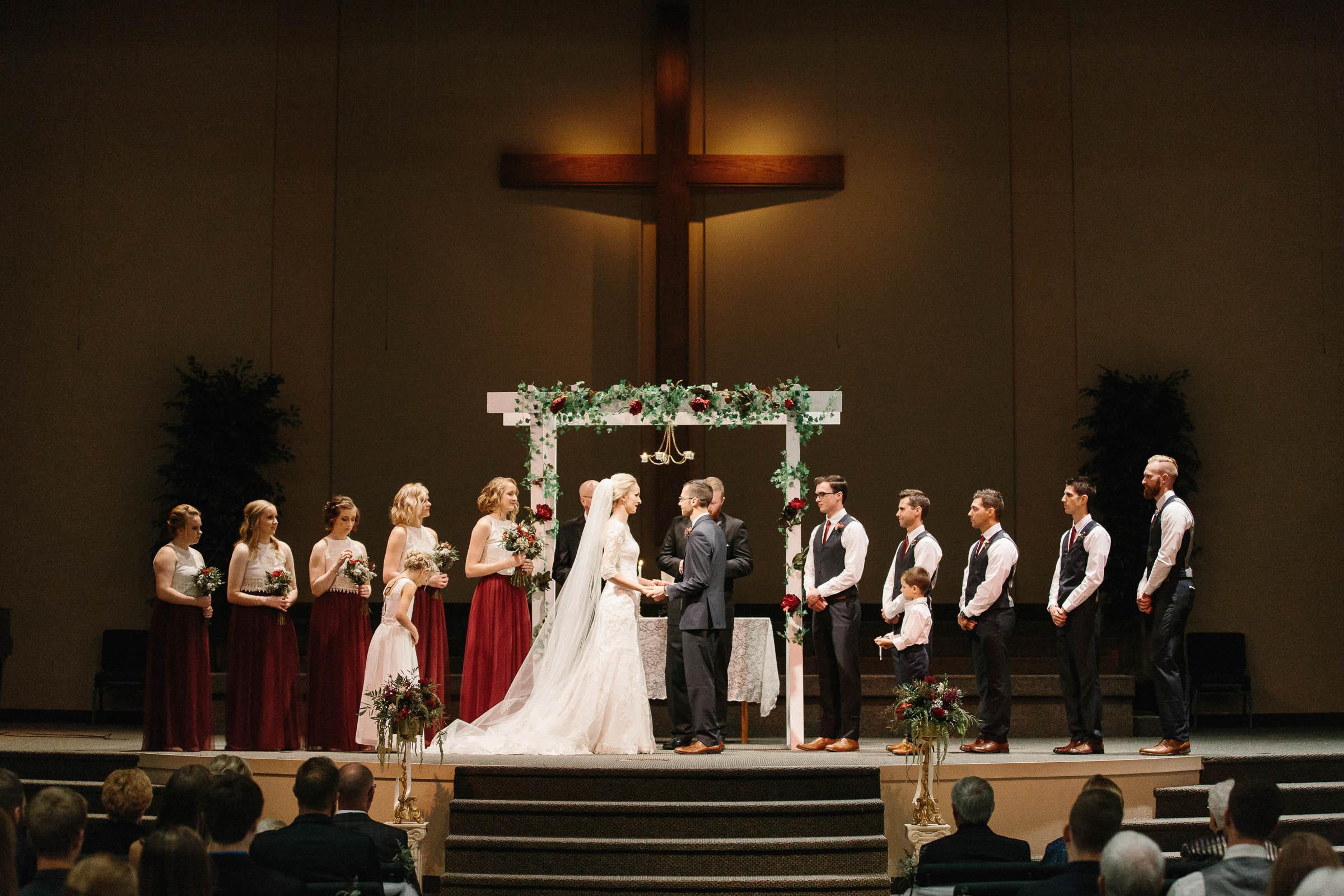 Jenna&Austin_SiouxFalls_Wedding_Photographer_075.jpg
