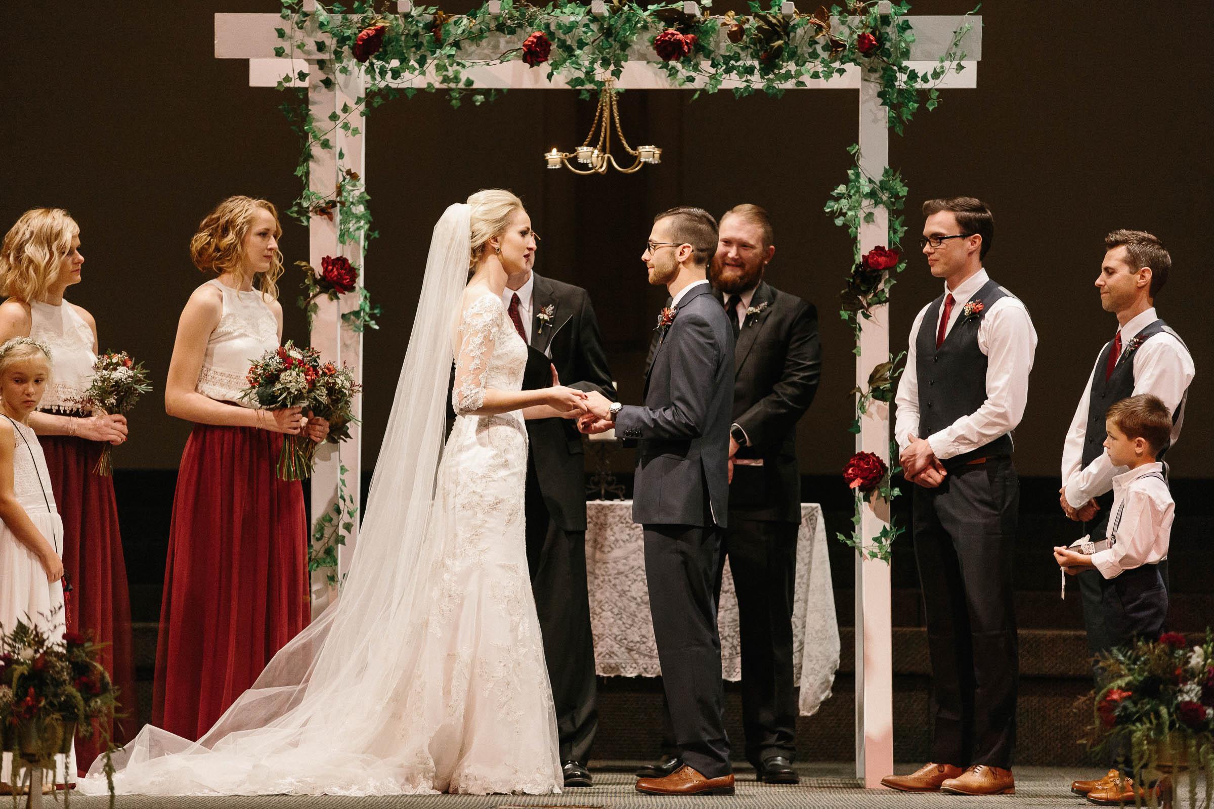 Jenna&Austin_SiouxFalls_Wedding_Photographer_076.jpg
