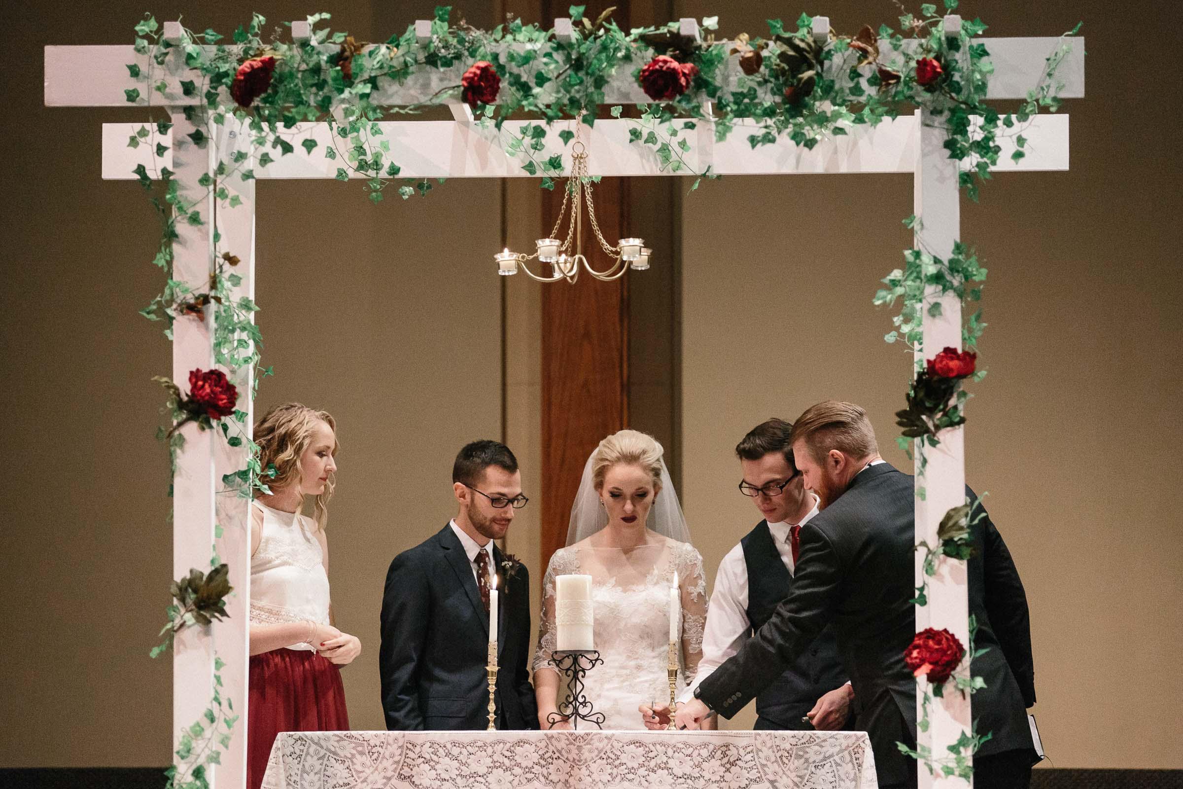 Jenna&Austin_SiouxFalls_Wedding_Photographer_077.jpg