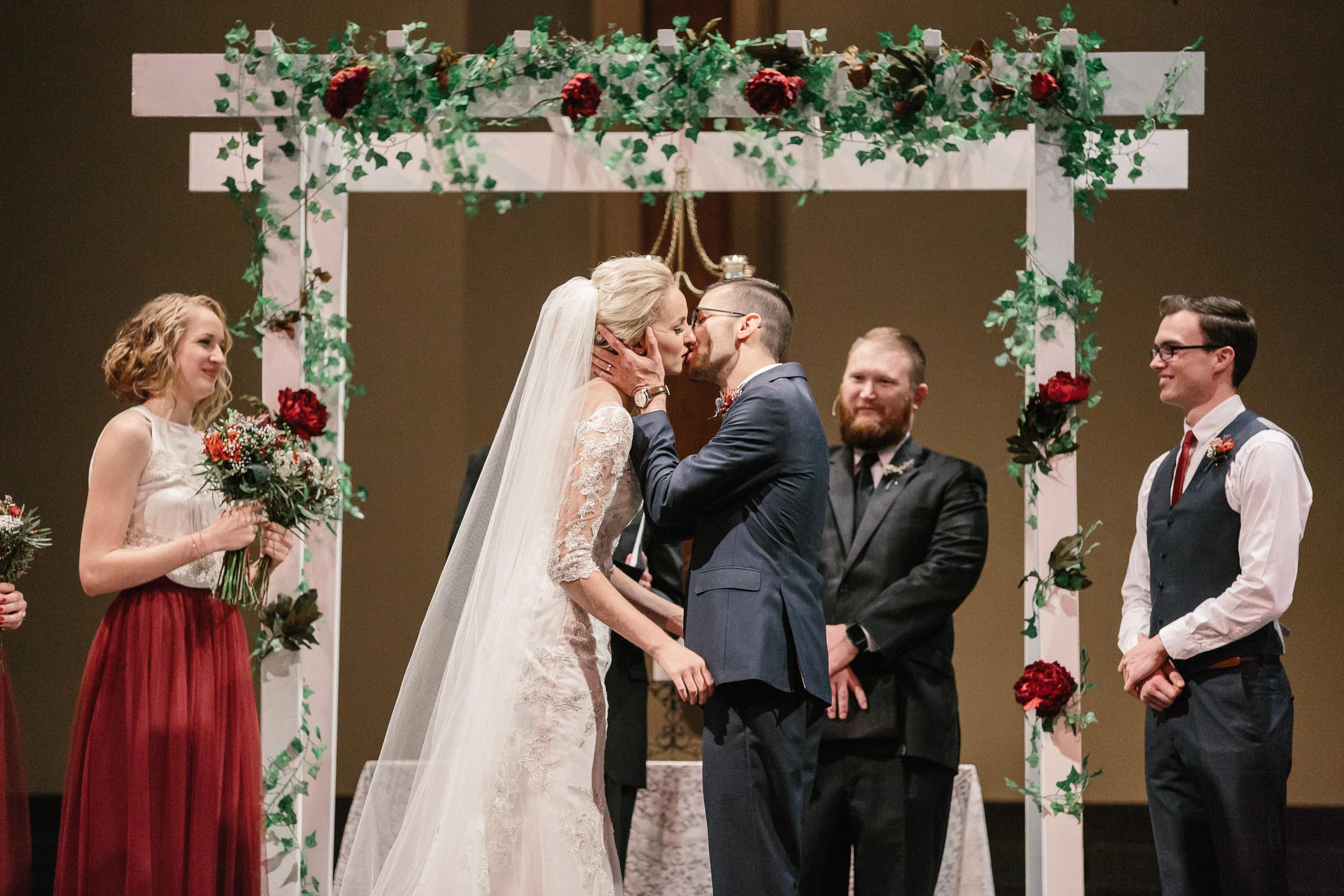 Jenna&Austin_SiouxFalls_Wedding_Photographer_079.jpg