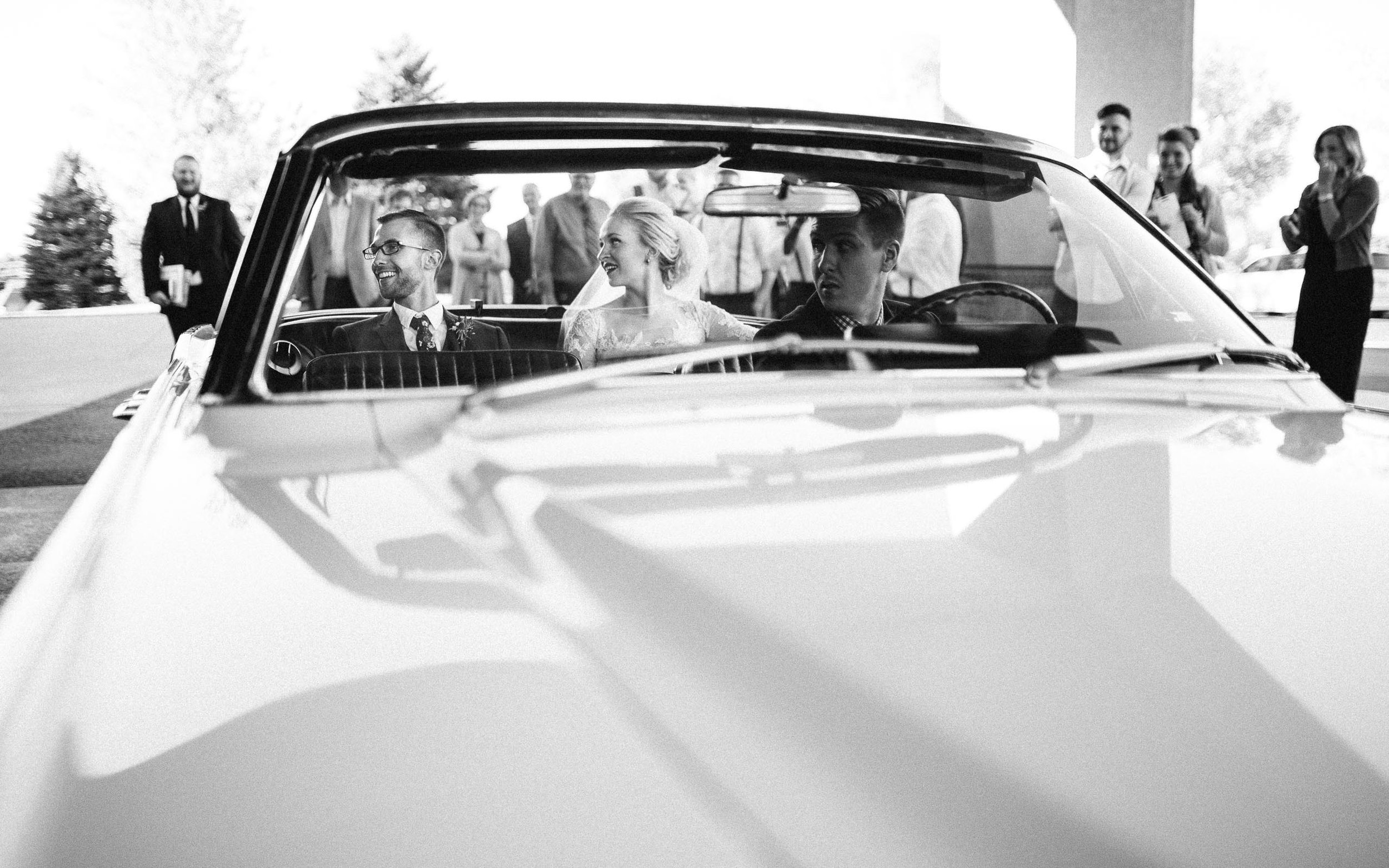 Jenna&Austin_SiouxFalls_Wedding_Photographer_084.jpg