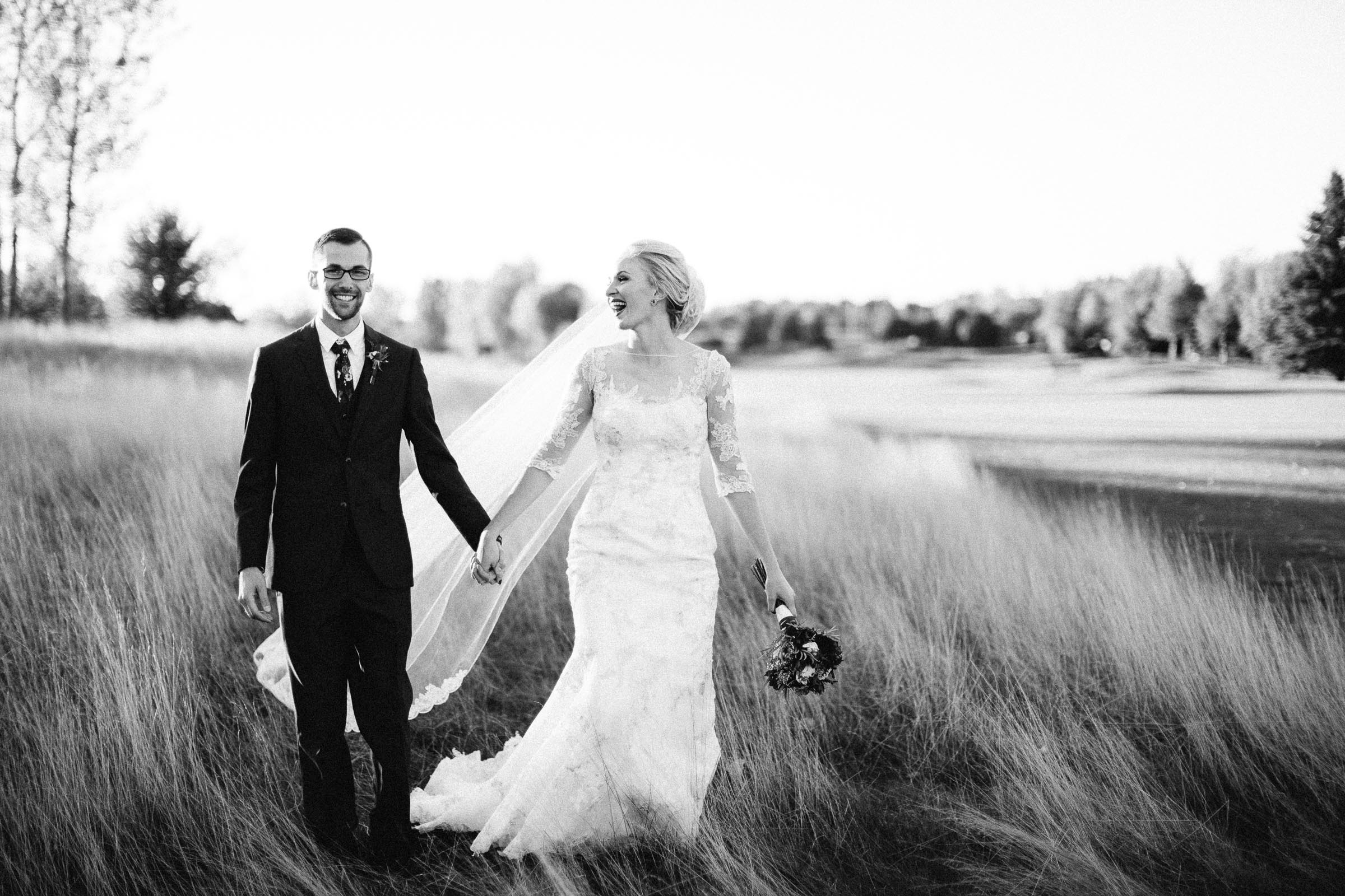Jenna&Austin_SiouxFalls_Wedding_Photographer_091.jpg