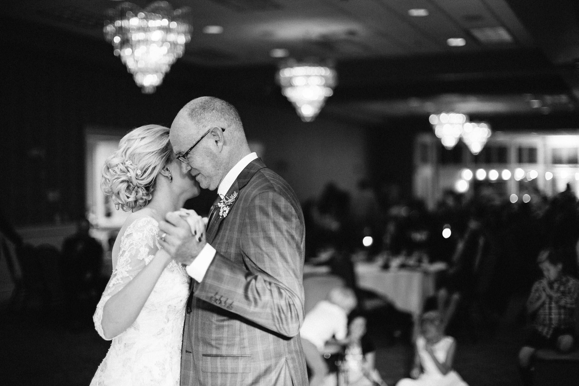 Jenna&Austin_SiouxFalls_Wedding_Photographer_109.jpg