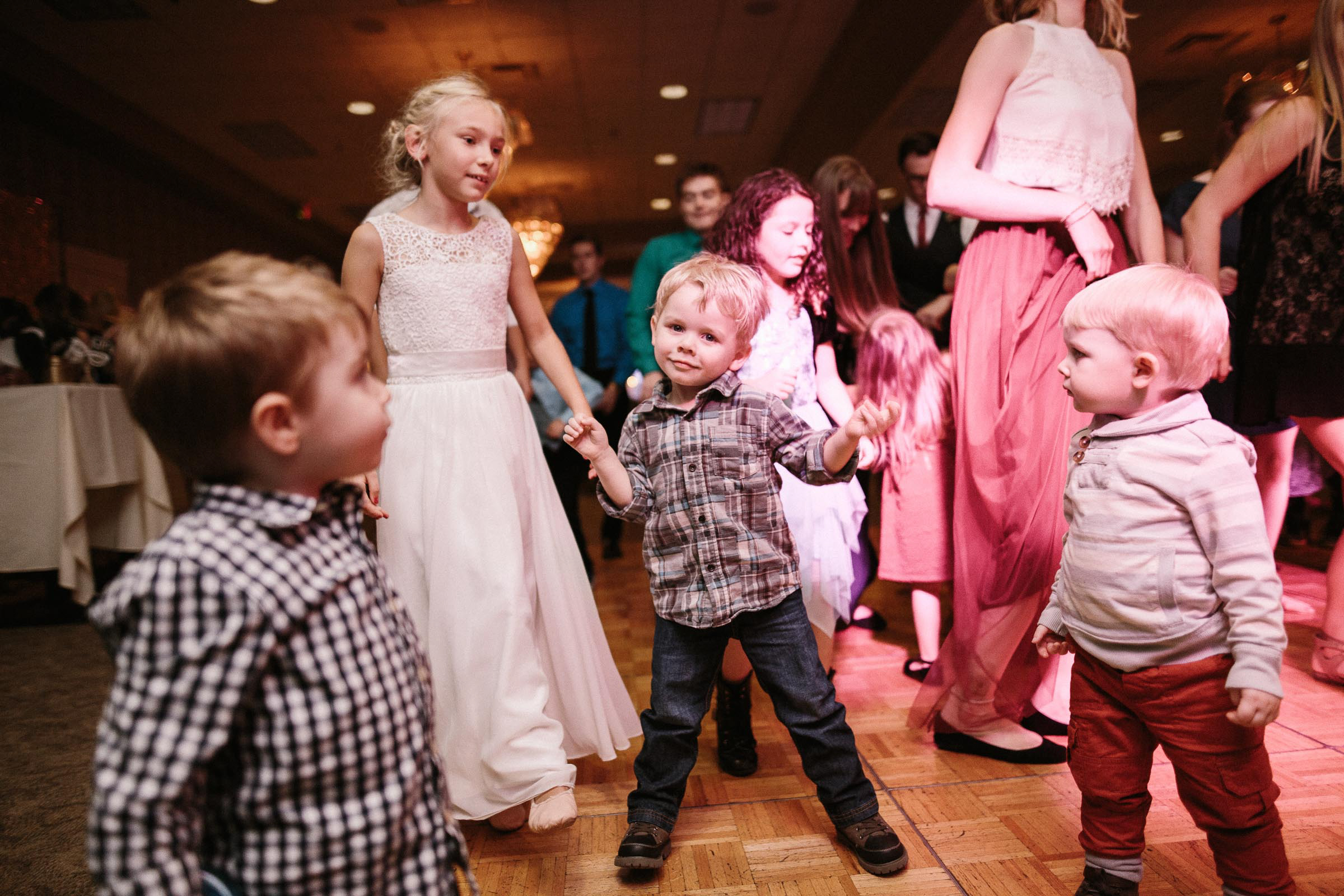 Jenna&Austin_SiouxFalls_Wedding_Photographer_112.jpg