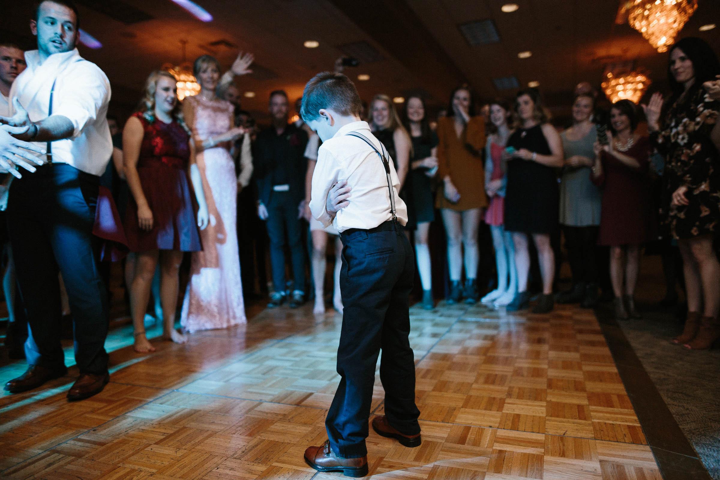 Jenna&Austin_SiouxFalls_Wedding_Photographer_122.jpg