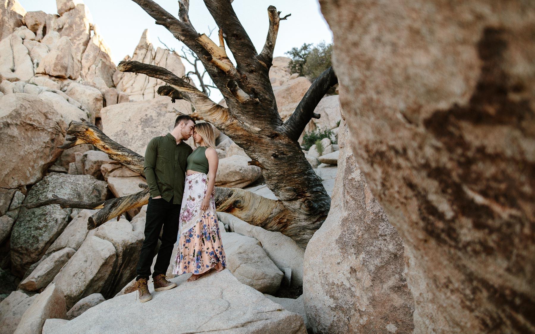 Joshua_Tree_Engagement_Wedding_Elopement_Photogapher_55.jpg