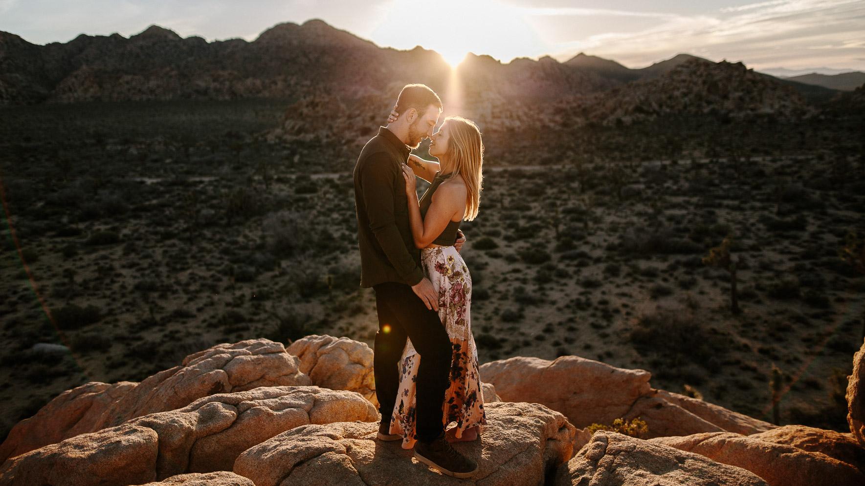 Joshua_Tree_Engagement_Wedding_Elopement_Photogapher_62.jpg